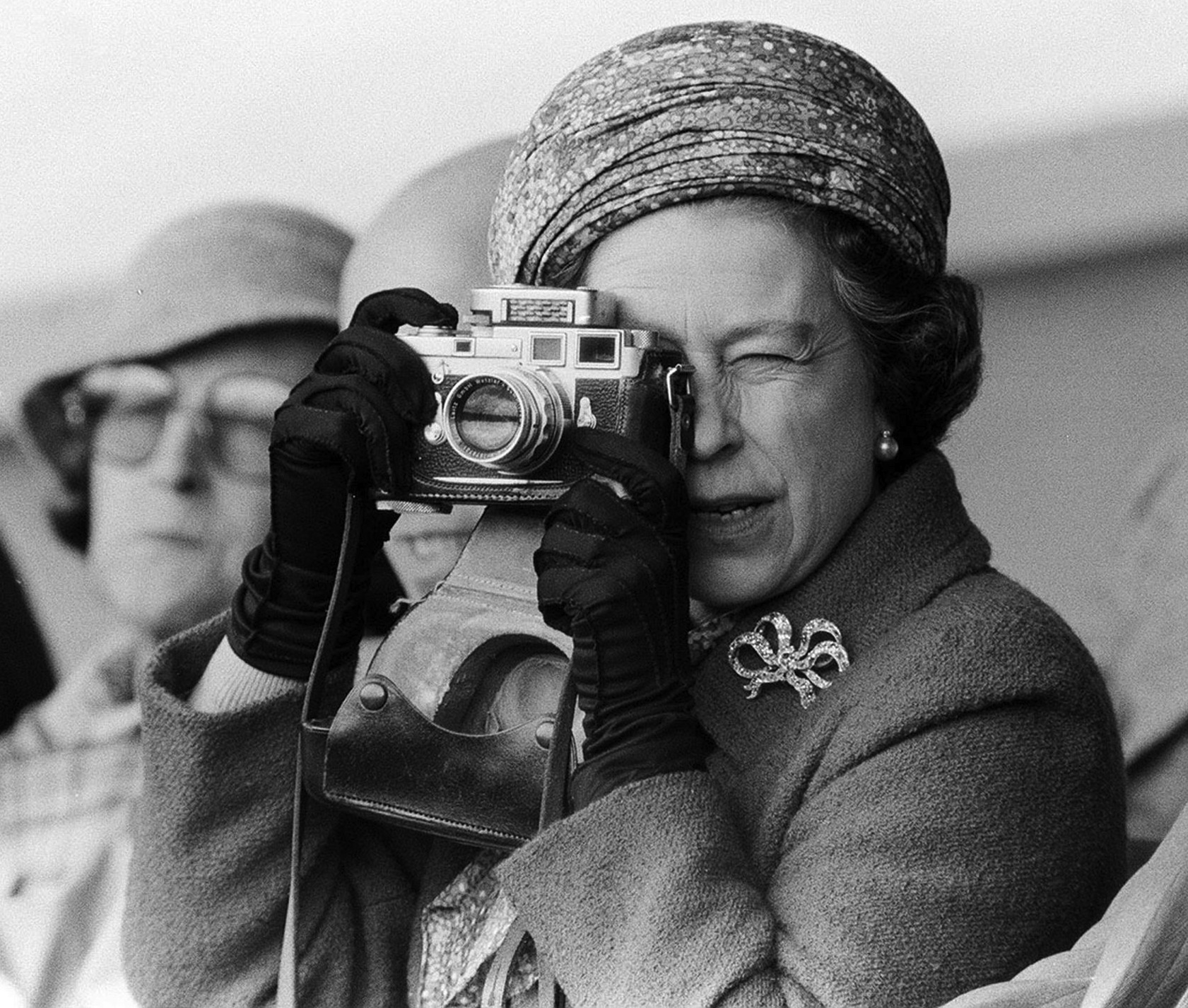 17th+May+1981+-+Her+Majesty+Queen+Elizabeth+II+taking+a+picture+at+the+Royal+Windsor+Horse+Trials